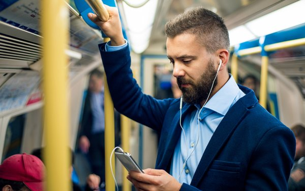You are currently viewing Podcast Ads Are As Effective As TV Commercials, Study Says