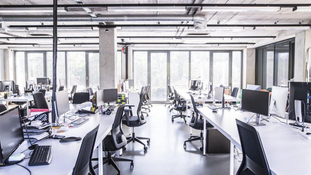 Co wartościowego można znaleźć w typowym biurze?