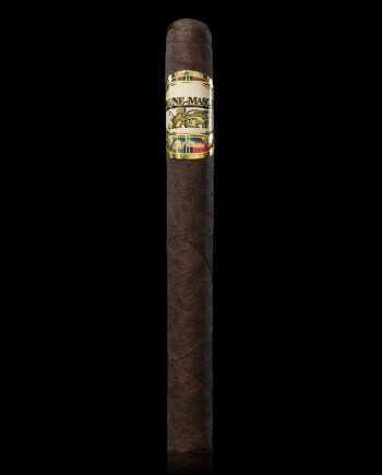 The Churchill Maduro is dark and oily, with naturally mature 8 year aged Dominican Maduro wrapper