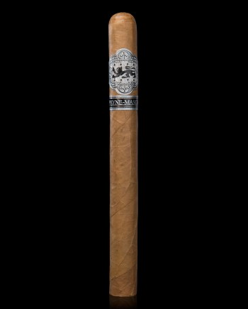 Double Corona Corojo is a rare, premium cigar with a smaller ring gauge and extended length provides a cool, smooth draw.