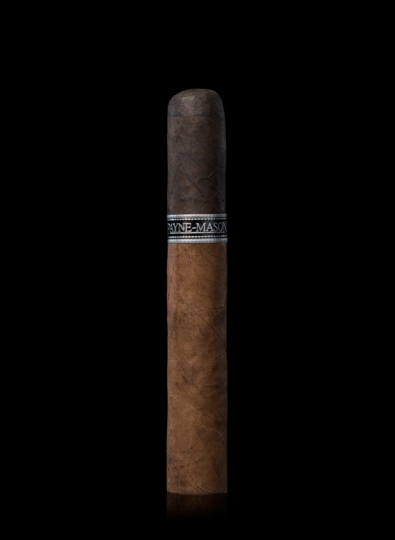 Puro PORTO consists of aged Connecticut Shade Natural wrapper uniquely topped by an 8 year aged Dominican Maduro cap.