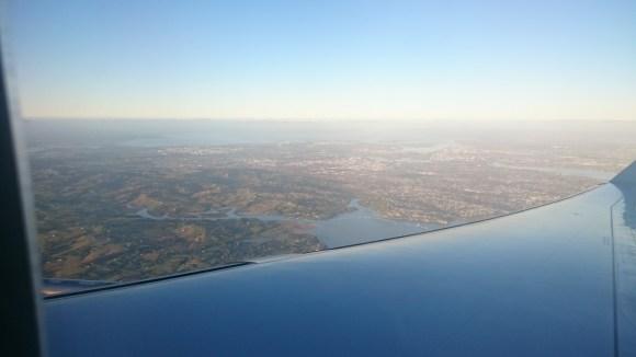 Du haut de l'avion, la Nouvelle-Zélande apparaît !