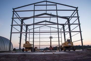 Les Brandt sont en train de créer un nouveau bâtiment pour l'agrandissement de leur entreprise de vente de semences!