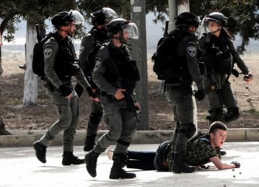 إصابات بالاختناق خلال مواجهات مع الاحتلال في اللبن الشرقية جنوب نابلس