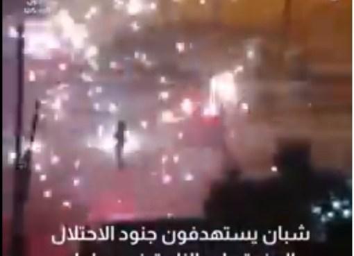 بالفيديو: شبان يستهدفون جنود الاحتلال بالمفرقعات النارية في سلوان جنوب المسجد الأقصى