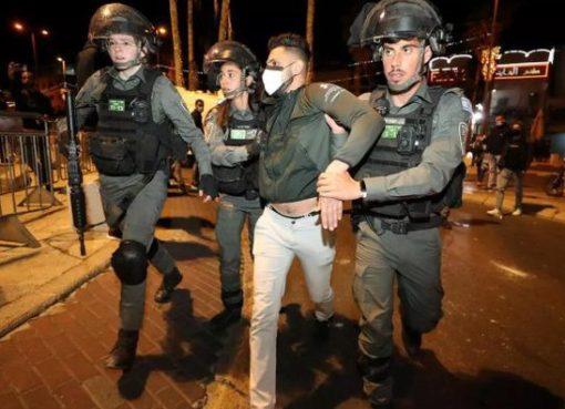الاحتلال يعتقل عائلة كاملة في العيسوية بعد الاعتداء عليهم