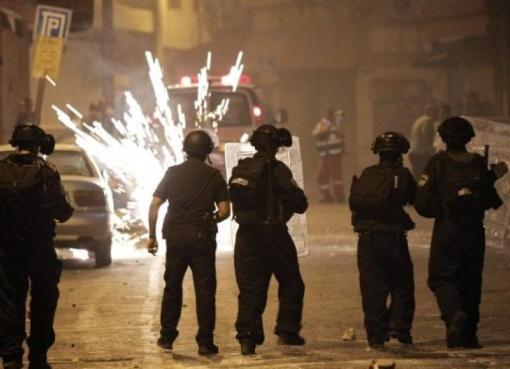 لابيد: ما نشهده في إسرائيل هو فقدان للسيطرة ونتنياهو يقودنا إلى الفوضى