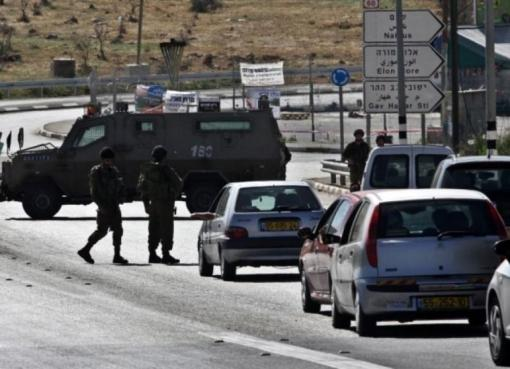 نابلس: الاحتلال يعتقل فتاة ويغلق حاجز حوارة العسكري