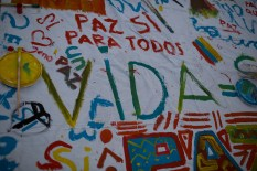 In Bogota, people expressed their wishes for peace on canvas.