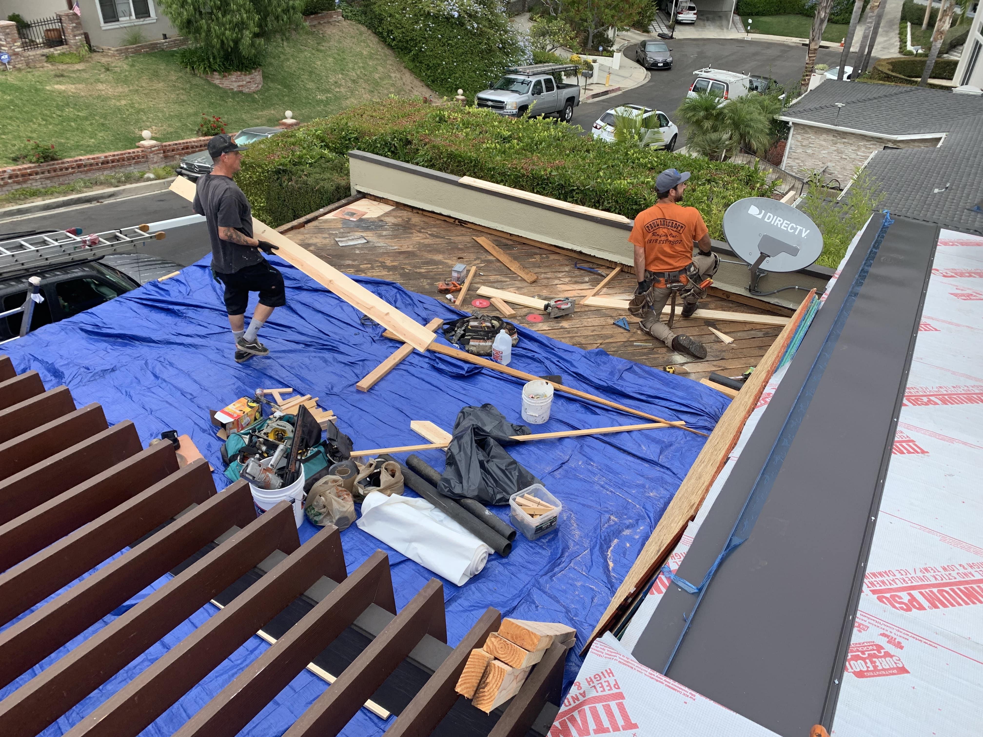 Roof repair Woodland Hills