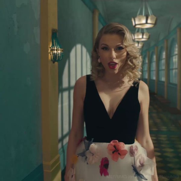 youtube trends taylor swift breaks record for most views - HD 1080×1080