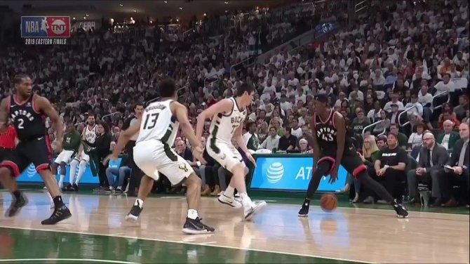 Pascal Siakam goes ⬆️... Jeremy Lin goes 😯  #WeTheNorth | #NBAPlayoffs