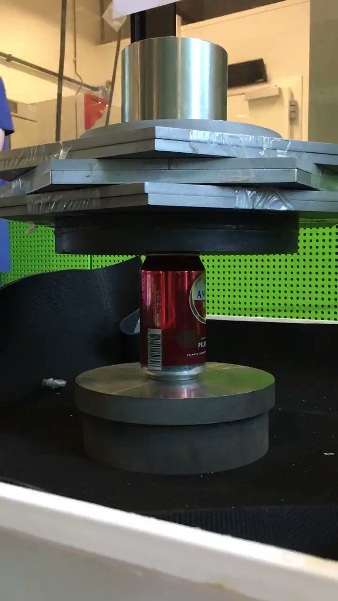 Image for the Tweet beginning: Extreme mechanics of cans, at