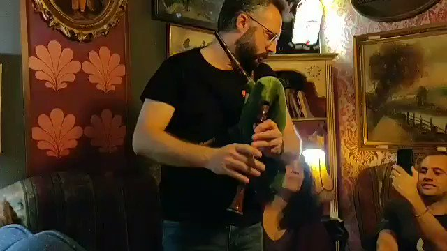 """I don't think we've ever had """"Happy Birthday #Ubuntu"""" sung to us with the harmonious accompaniment of bagpipes, in a bar.  Can you top this? 🤔"""