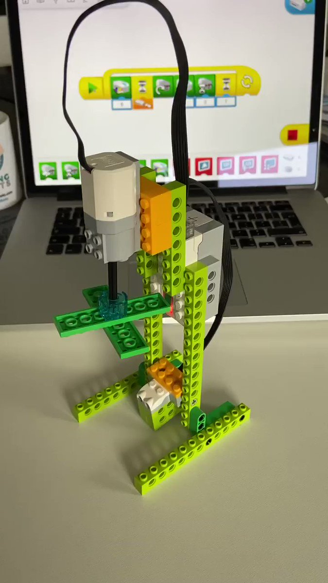 6 GpQm7cbnaD EmX - Raising Robots - LEGO Mindstorms EV3 & WeDo