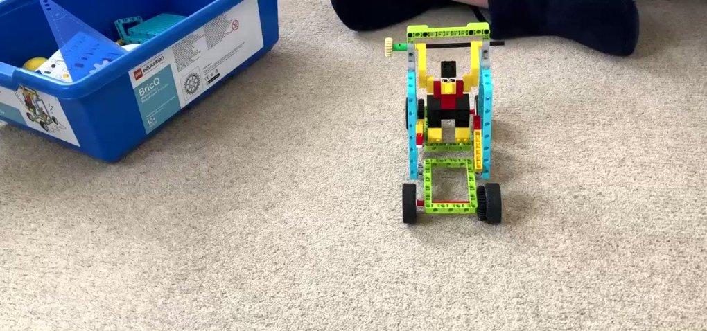 oXGutug10Ka8BqEV - Raising Robots - LEGO Education SPIKE Prime, MINDSTORMS, BricQ and WeDo 2.0