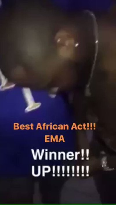 WRZesx6nc72zx3 3 - VIDEO: Emotional Moment For Davido As He Bags EMA African Act Of The Year