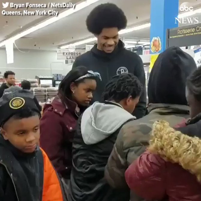 LIFE LESSONS: Brooklyn Nets basketball player takes 25 kids shopping for Thanksgiving dinner, teaches them how to actually calculate a budget for a Thanksgiving meal. https://t.co/Zqvpn94sKL