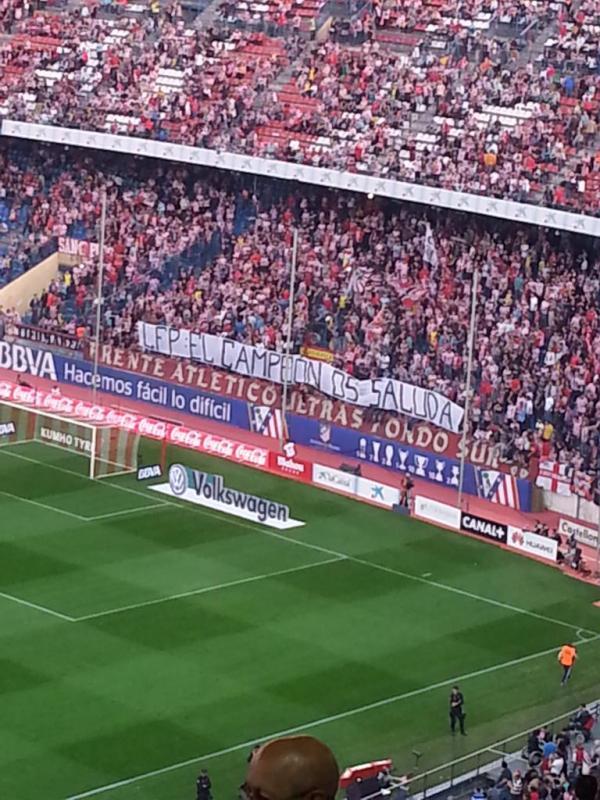 """[Foto Atlético-Córdoba] El """"Frente Atlético"""" manda un mensaje a la LFP con una pancarta 2"""