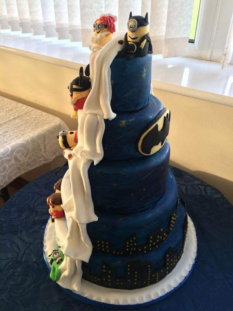 Donna Corr on Twitter   Yesterdays wedding cake half  batman half     Donna Corr on Twitter   Yesterdays wedding cake half  batman half  Minions  by  CorrsCakes http   t co rtYiVPeS8y