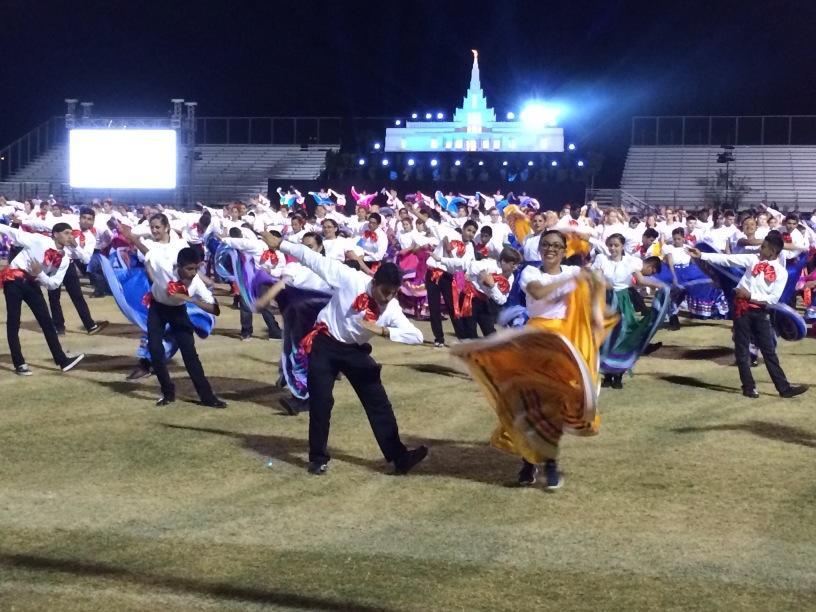 Kiddos Dancing De Colores As A Tribute To The Hispanic