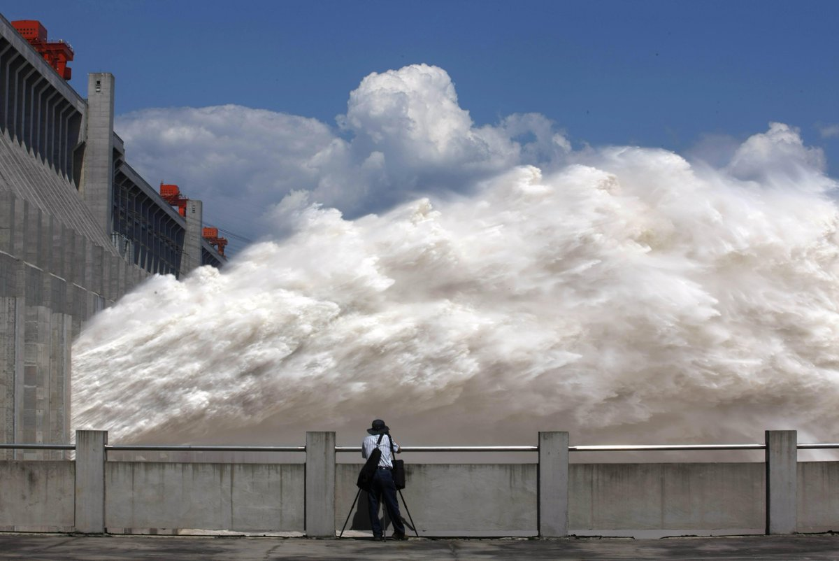 RT @STForeignDesk: Tibetan mega-dam begins operation: #China mediahttp ...