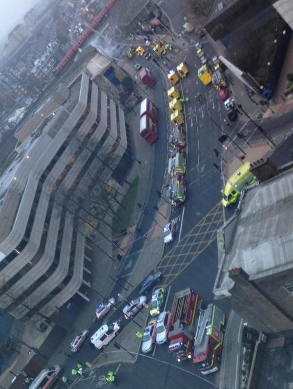 Londra: elicottero si schianta contro una gru.  (2/4)