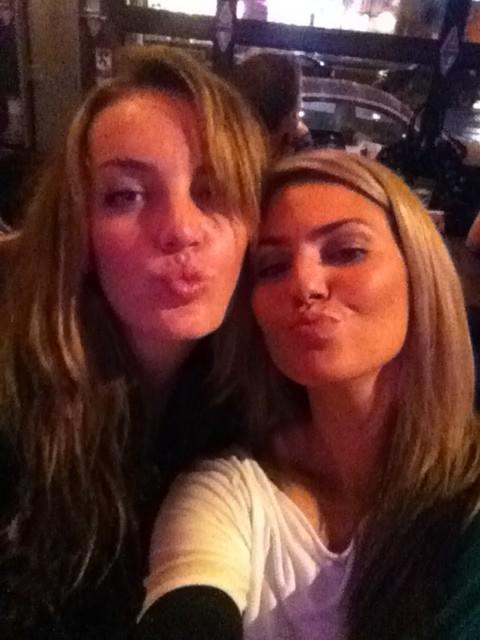 Amanda Balionis @Amanda_Balionis: #TBT college imitation edition: whooo remembers duck lips? #woof http://t.co/LvK5ogwy