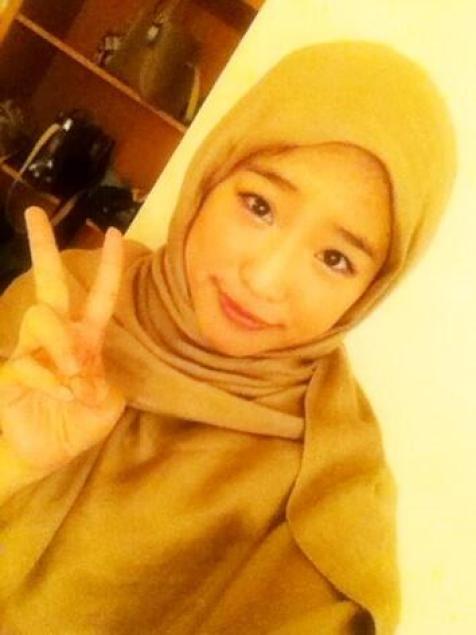 Foto Haruka JKT48 Pakai Hijab Terlihat Cantik Dan Imut