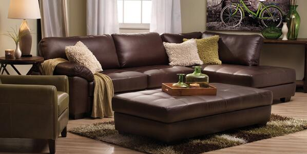 Sofa Mart on Twitter   Bella Vista Sectional including 60    HDTV     BdFcrnYCMAA4onO jpg