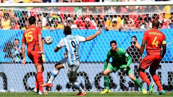 Gonzalo Higuaín scores Argentina's winner [via @FIFAWorldCup]
