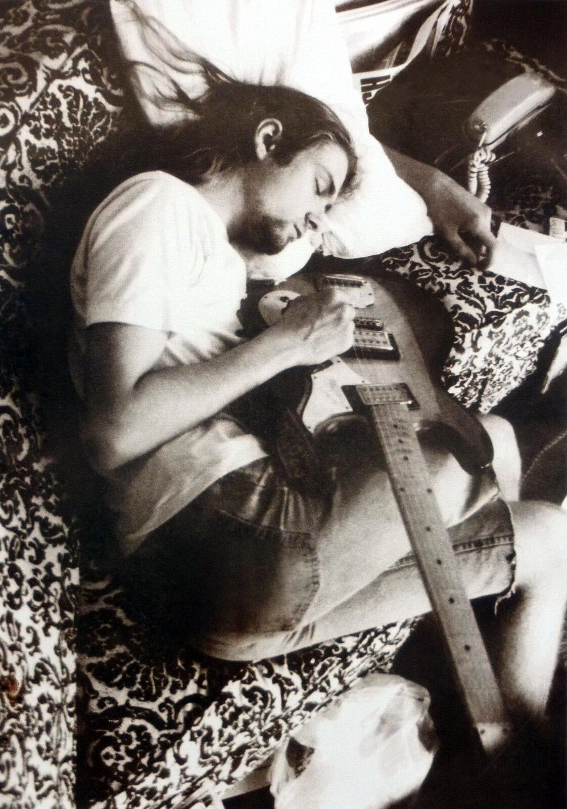 Nirvana On Twitter Kurt Asleep Photo By Ex Gf Tracy