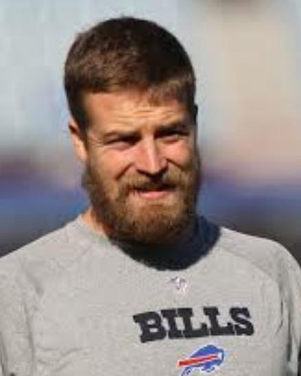 Jia Tolentino on Twitter   Lmao my fucking boyfriend looks so much     Jia Tolentino on Twitter   Lmao my fucking boyfriend looks so much like  Ryan Fitzpatrick http   t co GR2GB4IbNa