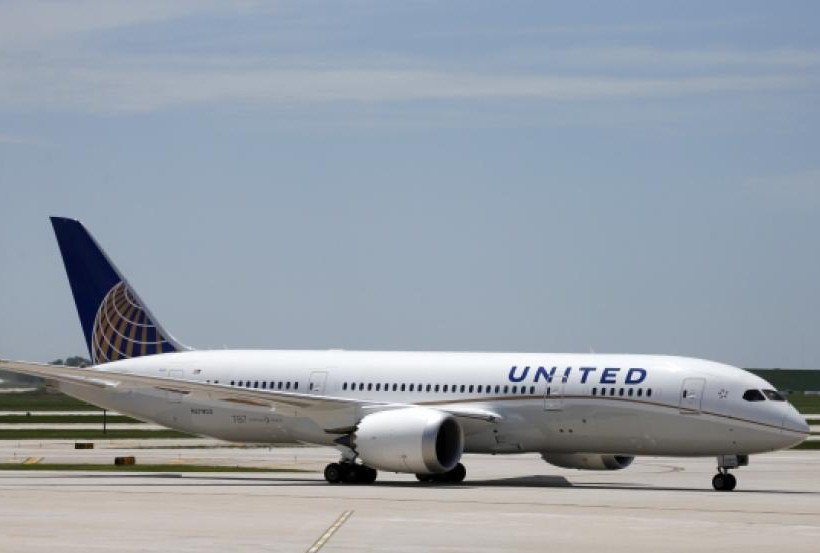 (AP) Ground stop lifted, United Airlines flights set to resume