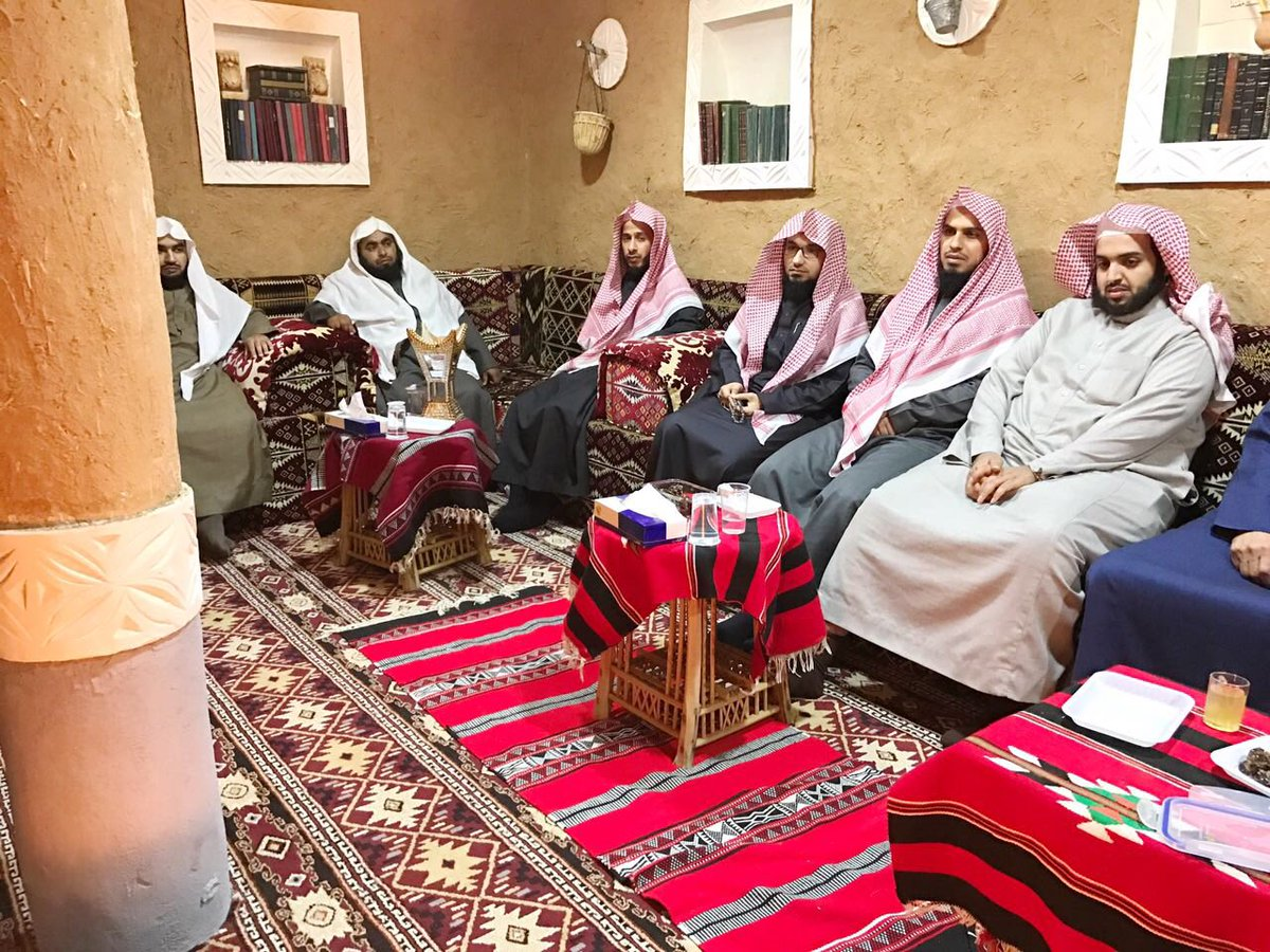 دار المخطوطات ببريدة On Twitter مجموعة من القضاة في ضيافة الدار