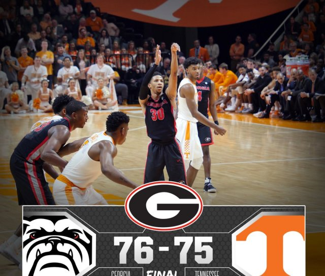 Georgia Basketball On Twitter Dawgs Win Georgia Defeats Tennessee 76 75 On The Road Raisetheflag Dawg Nation Ugavstenn