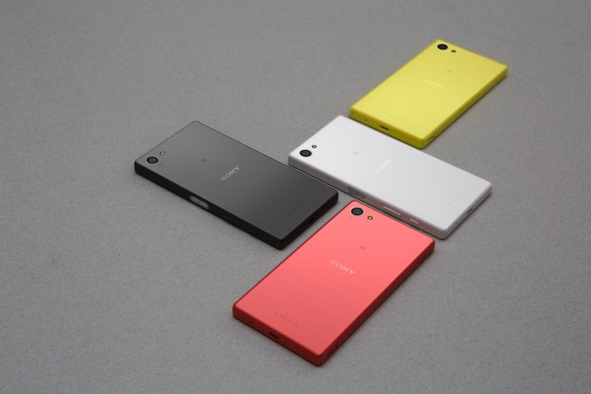 A pop of color in your hand. #XperiaZ5Compact https://t.co/7UbH3iu6iU...