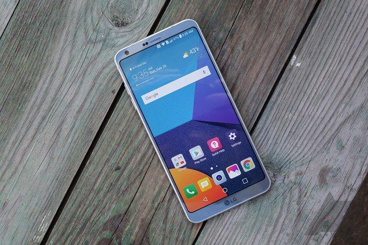 LG G6 hands-on: LG asks for a G5 do-over https://t.co/23iwF9UAFQ...