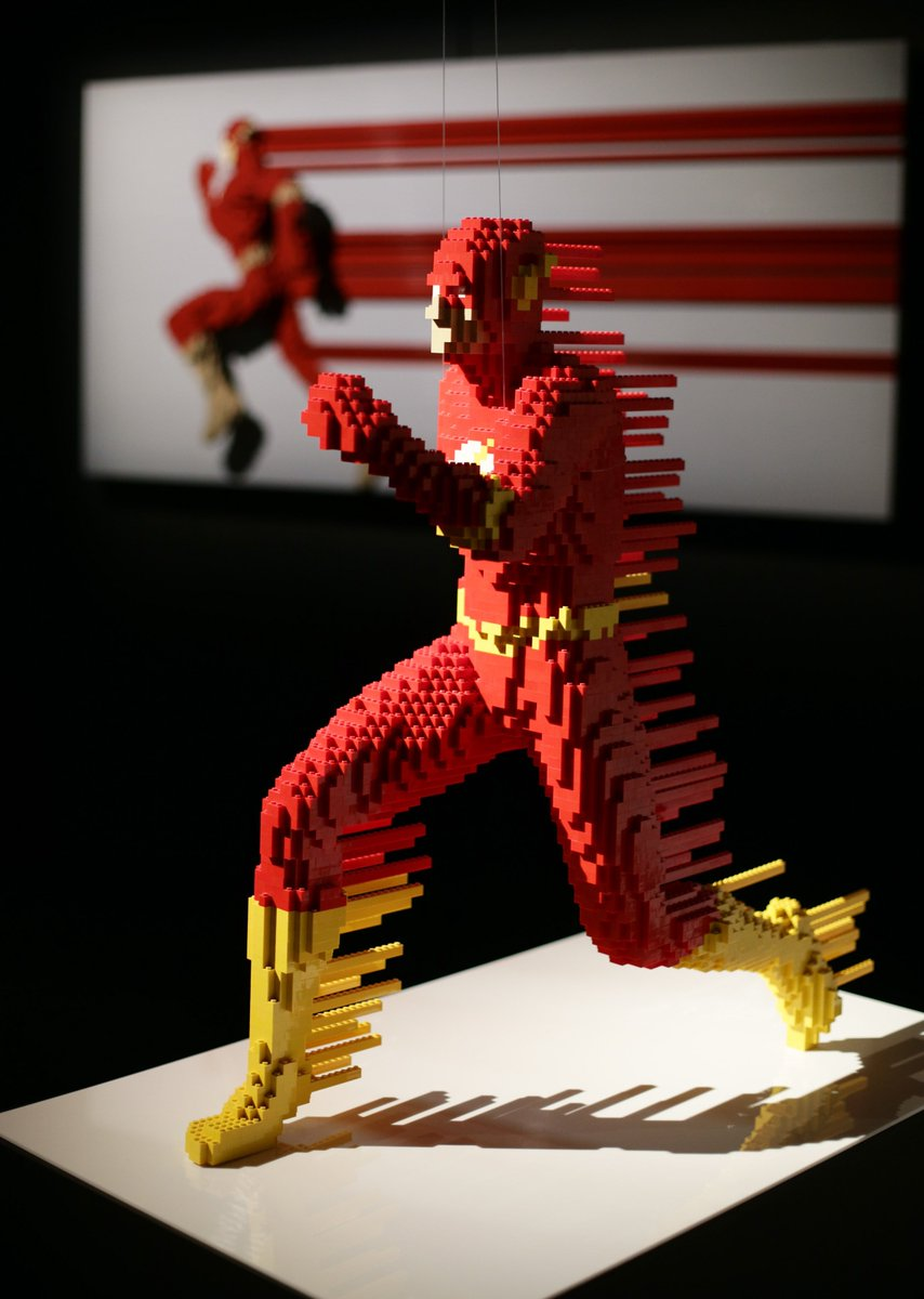 These Lego structures of DC Comics superheroes will blow your mind