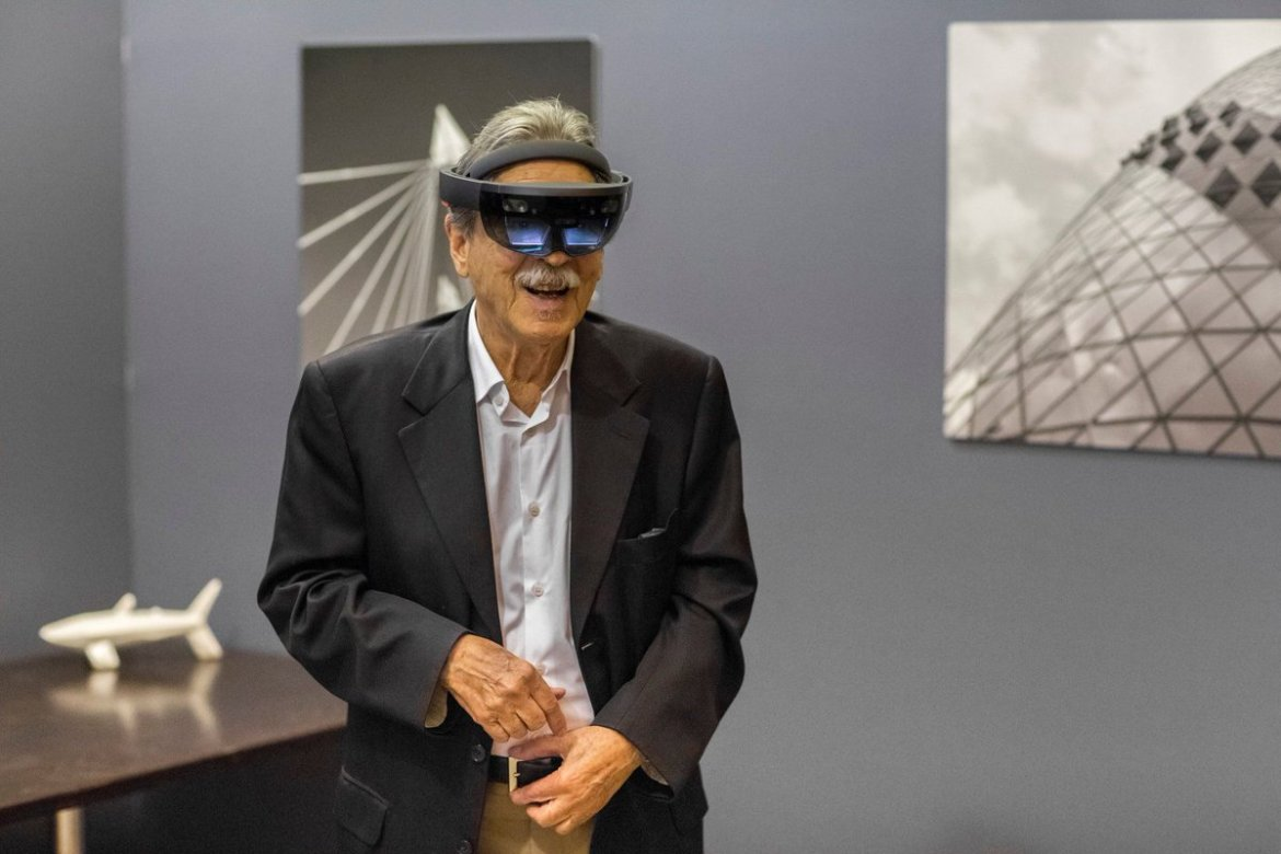 World-famous architect sees his buildings recreated using HoloLens  #ar #hololens