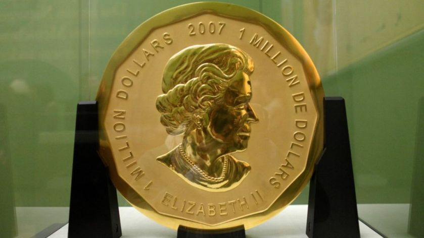 Solid gold coin worth $4m stolen from Berlin museum - BBC News #bitcoin