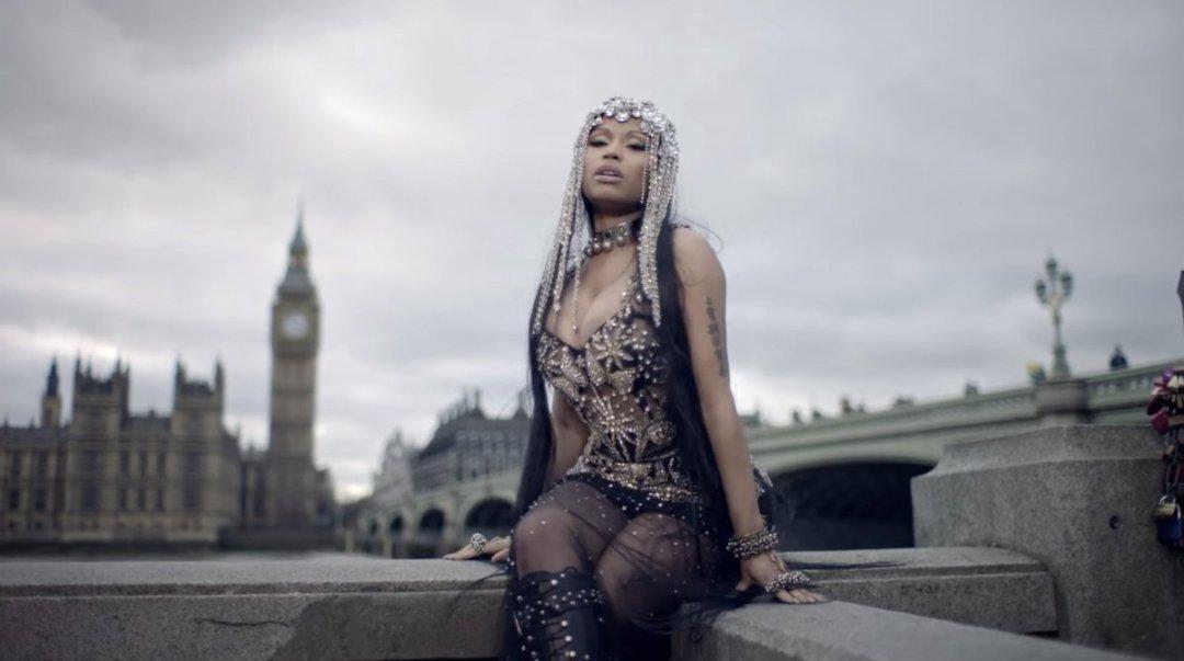 Nicki Minaj - No Frauds Music Video ft. Lil Wayne & Drake 6