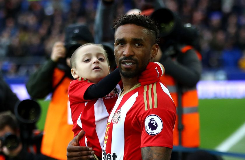 A moving story about a footballer's special bond with a five-year-old cancer sufferer.   ➡️