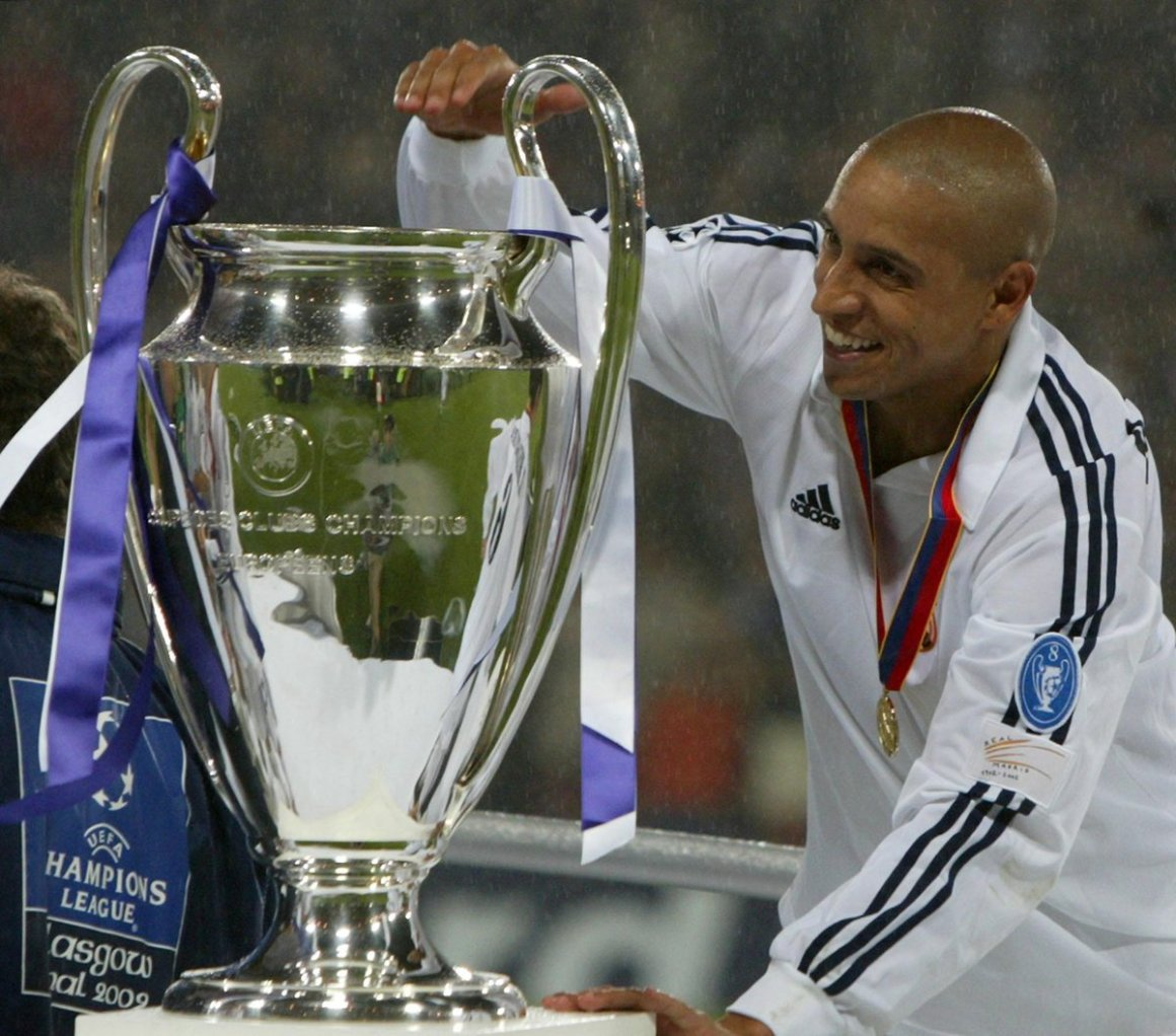 """Squawka Football on Twitter: """"Happy 42nd birthday to Roberto Carlos. He  scored 113 goals in 945 career games. Not bad for a left-back.  http://t.co/m3tCdFpp0u"""""""