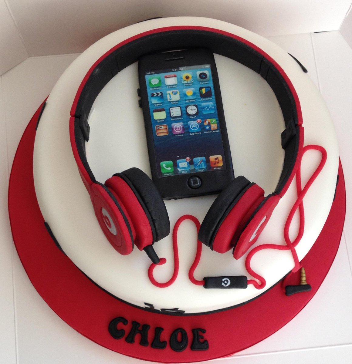 Cake Rocks On Twitter Headphones And Iphone Cake