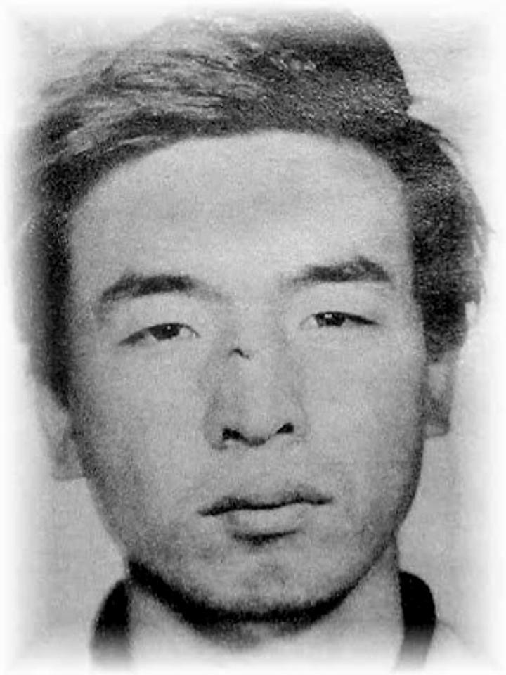 test ツイッターメディア - 岡本武 よど号グループのメンバー。岡本公三の兄。 1945年生まれ。よど号事件で北朝鮮へ亡命したが、落盤事故で死亡したとされる。 岡本公三は幼い頃から武を尊敬し、その影響で過激思想へ走り、「兄に会わせる」と騙されて日本赤軍入りした。 https://t.co/3oefc8cp4F