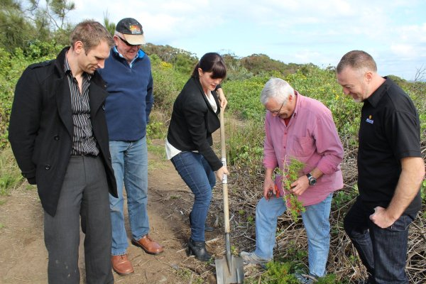 #CentralCoast Green Army Calling For Local People and Local Projects #Landcare #CoastTimesNews Gaye Crispin, Coast Times News, Central Coast
