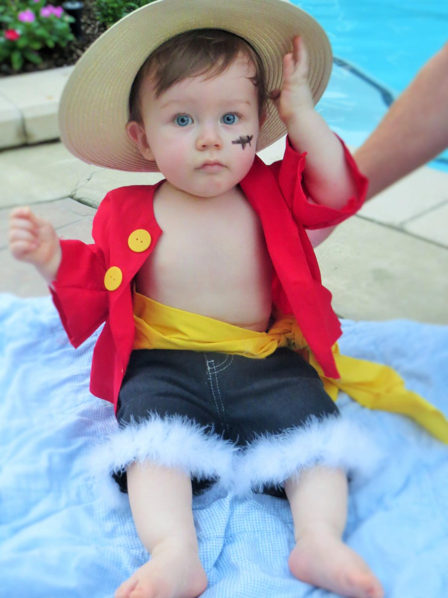 These one piece baby onesies are perfect for family cosplays. Jessica V Twitter Here Are Some Of My Favorite Shots Mugiwara King Of The Pirates Monkey D Luffy As A Baby Cosplay 3 Http T Co Wrqe30cwkq