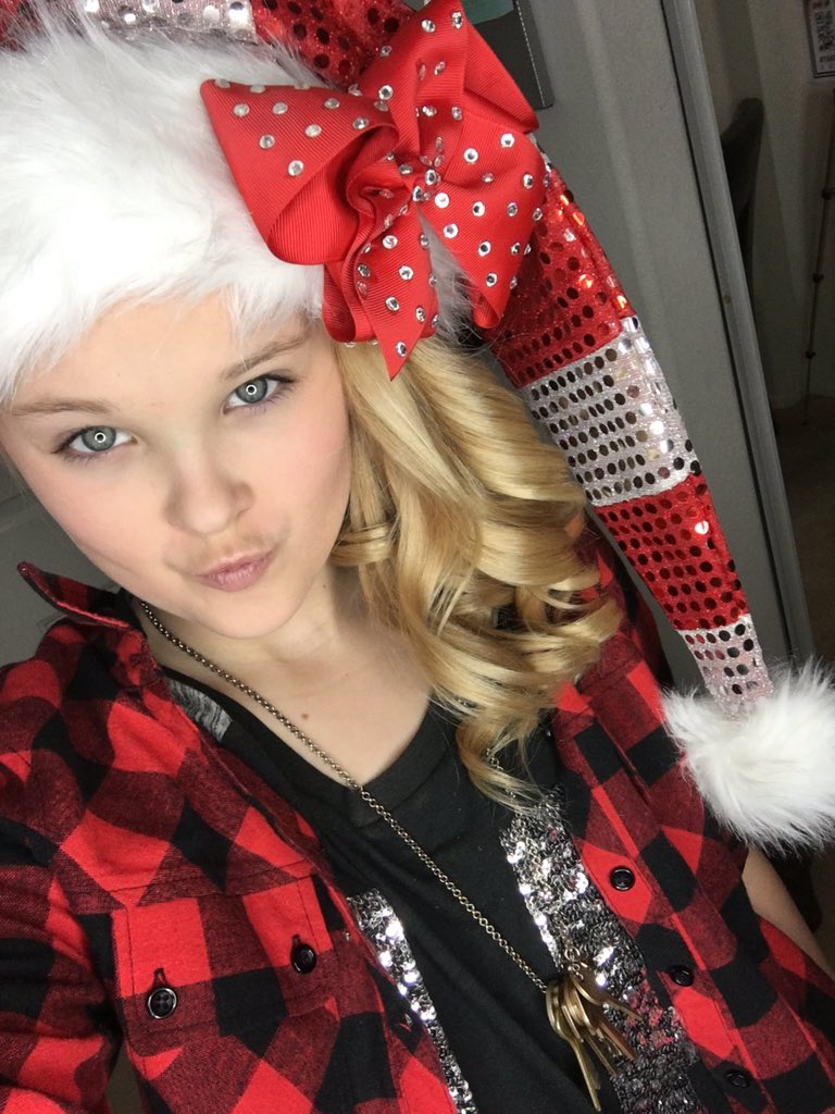 JoJo Siwa On Twitter Getting Into The Xmas Spirt