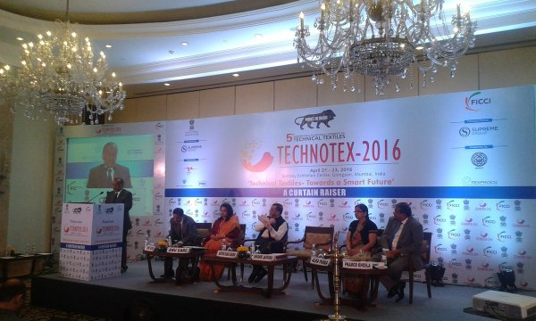 """Ministry of Textiles on Twitter: """"Compliment @TexMinIndia ..."""